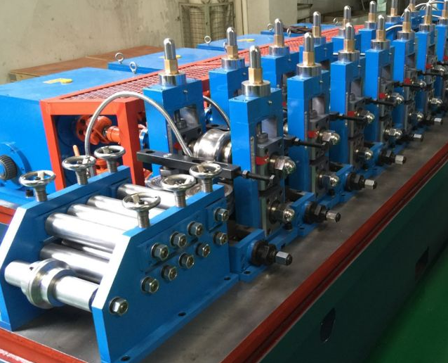Discussion on the principle and application of high pressure in high and low pressure thin oil station of tube mill